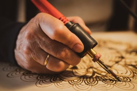 Best Wood Burning Kit & Pyrography Pen Tools | 5 Reviews and Buyers Guide