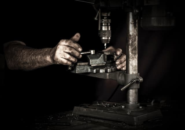 Best Drill Press for Metal – Top 5 Reviews and Buying Guide