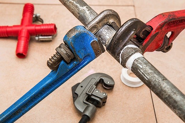 Monkey Wrench Vs. Pipe Wrench: Which One Do I Need?